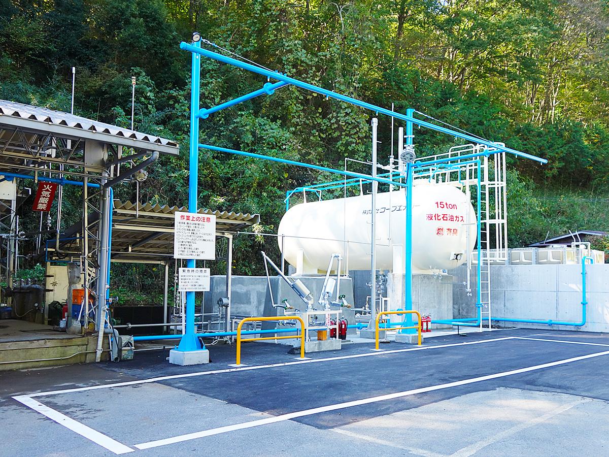 ガス充填所のタンク